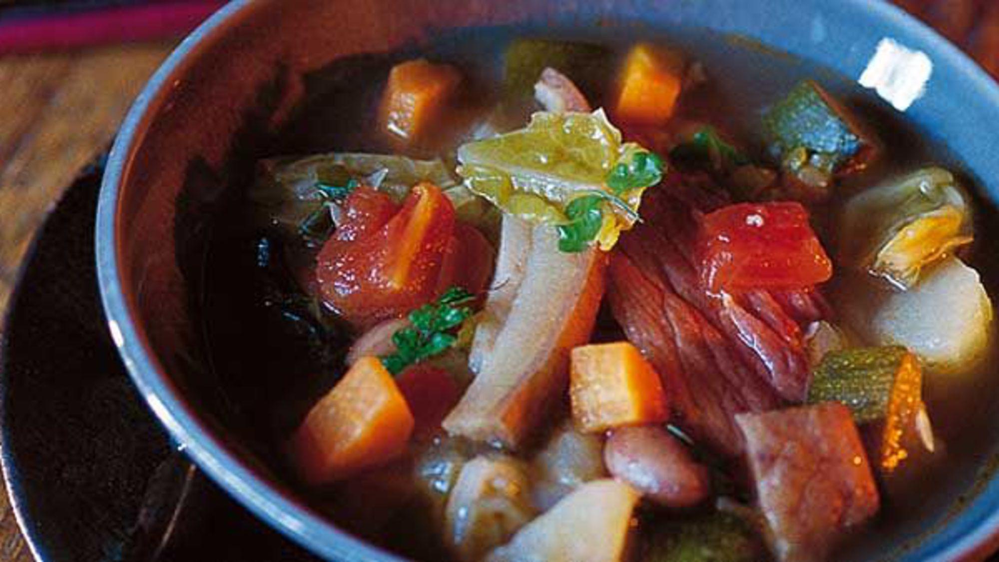 La traditionnelle soupe corse pari s sur la corse - Peut on congeler de la soupe ...